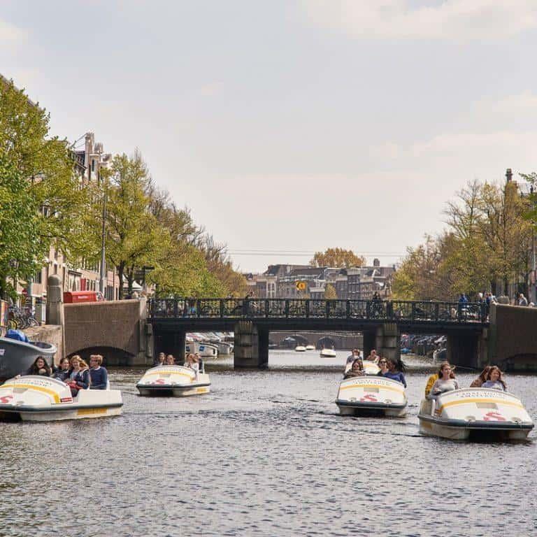 השכרת סירת פדלים באמסטרדם