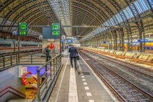 תחנת הרכבת המרכזית - Stationsplein