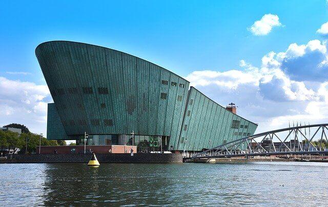 נמו מוזיאון המדע באמסטרדם - Science Center NEMO